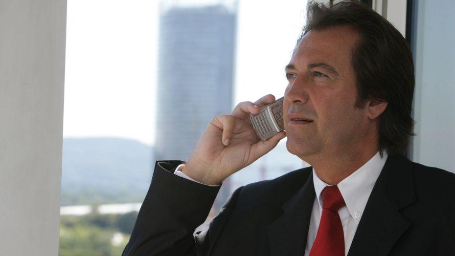会社で電話をとったら外国人だった!そんな時の対処法